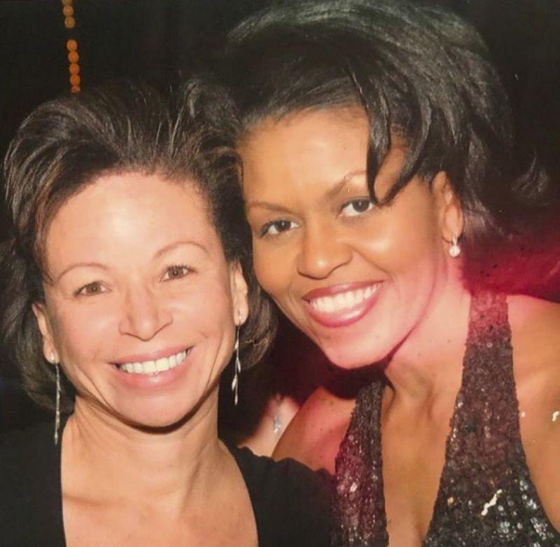 Ep 07 Pt. 1 Working Women- Valerie Jarrett and the Importance of Mentorship BookZyfa